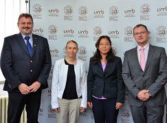 Zľava: doc. Ing. Marek Drímal, PhD., Ing. Radoslava Kanianska, PhD., Dong Tian, doc. Ing. Vladimír Hiadlovský, PhD.