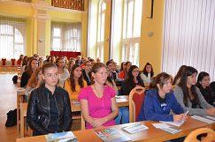 Študentstvo na prednáške Dr. Rössler