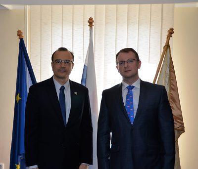 Veľvyslanec Luís Antonio Balduíno Carneiro a rektor Vladimír Hiadlovský