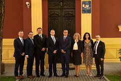 Delegácia na Univerzite v Mostare
