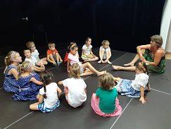 Keď deti nevládali tancovať, učili sme sa vyčítanky a pesničky.