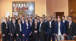 Rektor prijal UMB Hockey Team