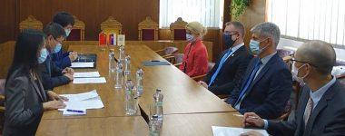Čínsky veľvyslanec na Slovensku navštívil UMB a CIB