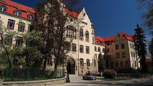 MBU Faculty of Economics