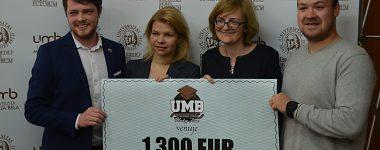 UMB Hockey Team odovzdal výťažok z dražby dresov na dobrú vec
