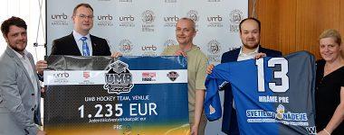 UMB Hockey Team odovzdal výťažok z dražby dresov